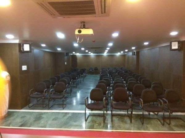 trust-conference-hall-rayala-towers-benz-120-seater-hall-image4